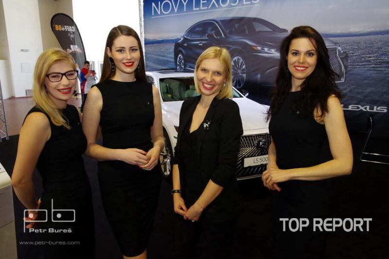 Krásné dívky na Autoshow 2018
