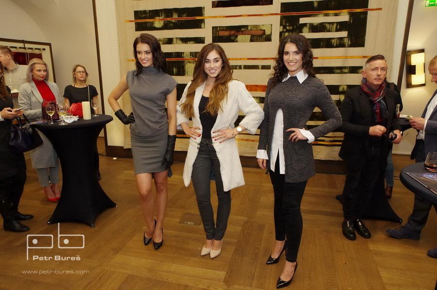 Iva Uchytilová, Michaela Habáňová a Tereza Vlčková v modelech Petry Pilařové