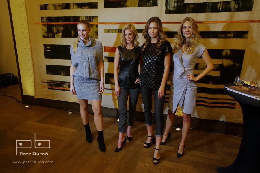Karolína Malyšová, Kristýna Kubíčková, Andrea Bezděková a Natálie Kotková v modelech Petry Pilařové