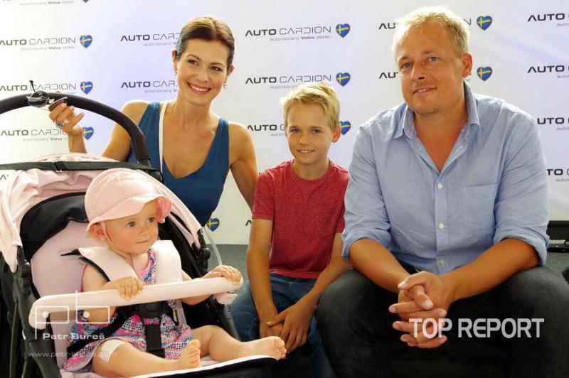 Jana Doleželová s rodinou