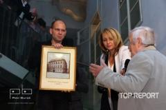 Předání fotografie původního vzhledu budovy