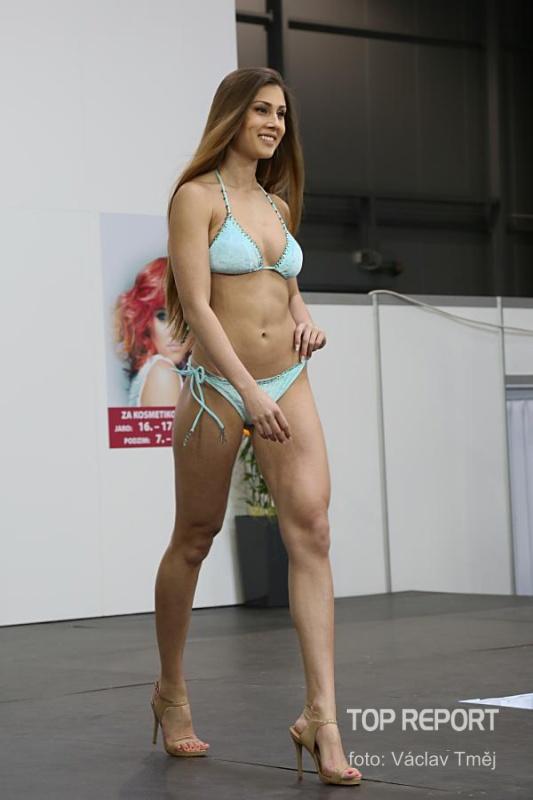 Natálie Myslíková v plavkách Fashion Island