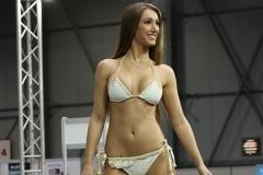 Taťána Makarenko v plavkách Fashion Island