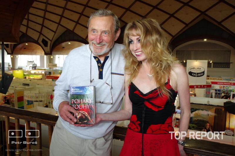 Ladislav Frej s majitelkou nakladatelstvi MaHa, spisovatelkou Marketou Harasimovou