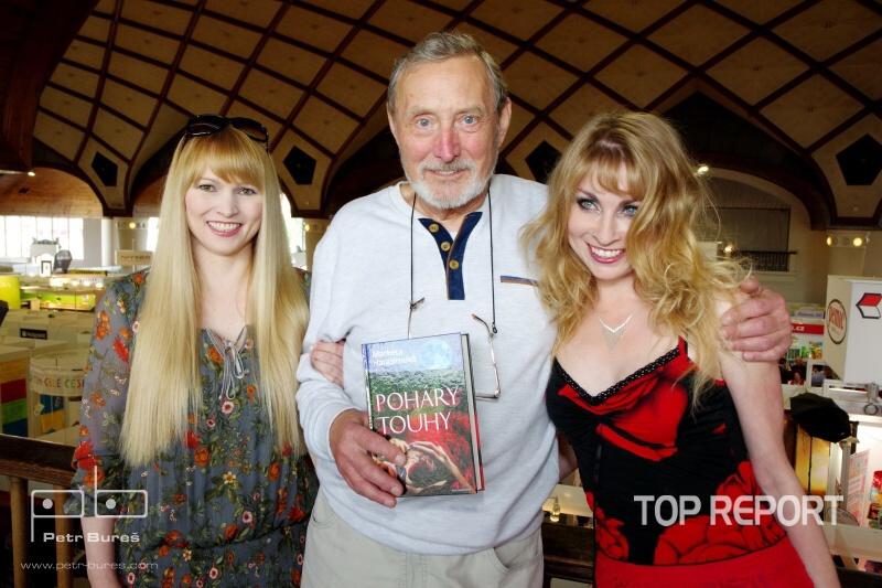 Ladislav Frej s moderatorkou krtu Petrou Zajickovou a spisovatelkou Marketou Harasimovou