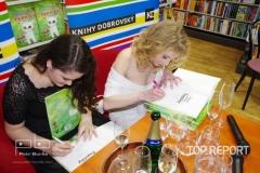 Autogramiáda na křtu knihy Z deníku kočičky Ťapičky