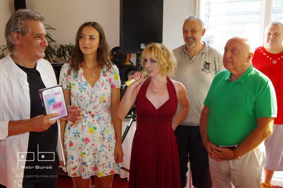 Slávek Boura, Lucie Gelemová, Markéta Harasímová, Felix Slováček a Maxíci