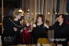 6. Knihu Mezi dvěma pokřtily kmotry spolu s autorkou sektem_Foto Petr Bureš