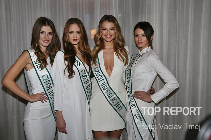 Veronika Volkeová, Kristýna Langová, Kateřina Kasanová a Daniela Zalešáková