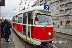 Tramvaj Tatra T1 č. 5002 ve stanici Hradčanská
