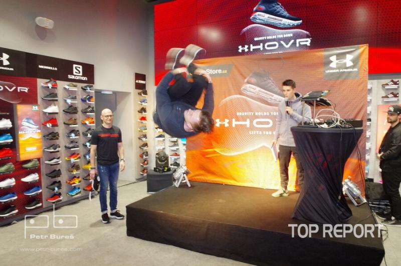 launch unikátní boty HOVR Phantom