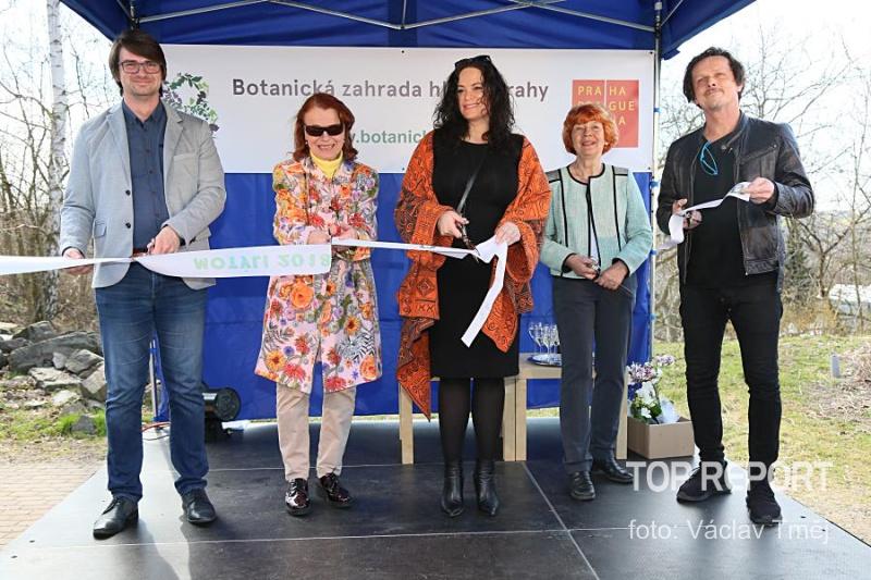Bohumil Černý, Iva Janžurová, Jitka Čvančarová, Eva Smržová a Michal Malátný