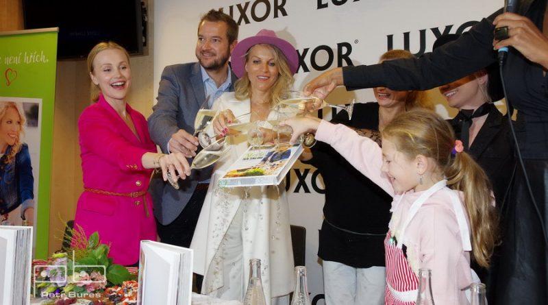 Křest nové knihy Štěstí nejenom na talíři