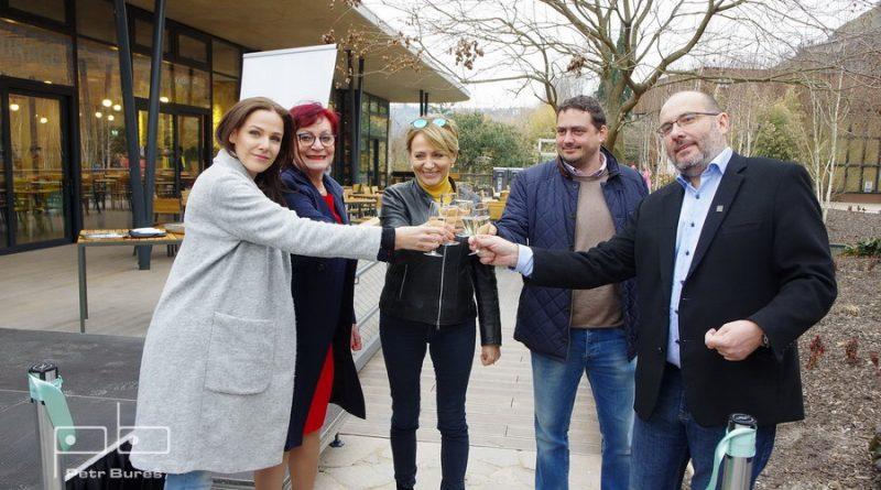 Radka Rosická, Eva Kislingerová, Andrea Krňáčová, Petr Dolínek a Miroslav Bobek